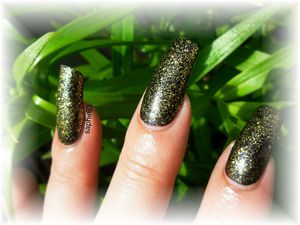 vernis mollon party line 148 - beauty by angel