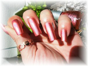 vernis china glaze not in this galaxy holo - nails papillons