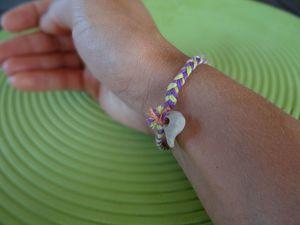 Besace colorée et petit bracelet