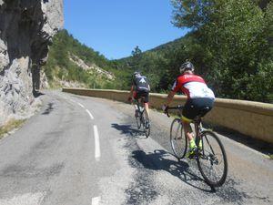 L'approche de la Charce puis la montée sur Prémol...là ça commence à piquer quand même d'autant qu'il fait un peu chaud