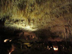 Stalactites ou stalagmites ?