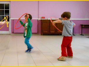 Danse avec un cerceau (TPS et PS)