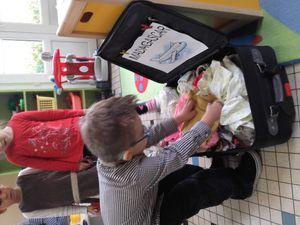Réalisation d'un cadre chez les MS......et collecte de vêtements.....