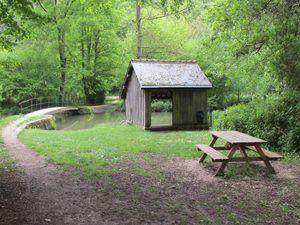 """En suivant la rivière Cisse, les cyclistes peuvent s'y retrouver. Le """"gué du Taureau"""", avec son lavoir, pourraient être rénovés."""