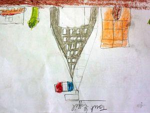 Les deux premiers dessins ont été réalises par des enfants de France, les deux autres par les enfants de la MCS, en échange.