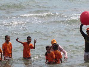Ballons a la mer, pour filles et garcons