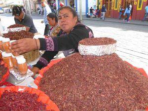 Toujours un plaisir de flâner dans le marché ou devant les étals