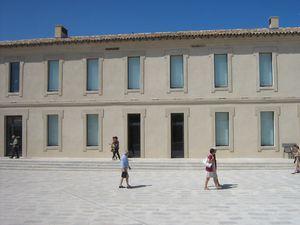 La chapelle, la tour du Fanal, la place d'Armes (Fort Saint-Jean)