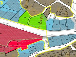 Piazza del Ponte: referendum per salvare il centro storico