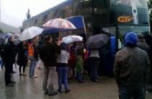 Départ sous la pluie et quelques larmes : QUE  D'EAU !!!