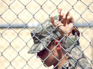 Kristen Stewart : Camp X RAY