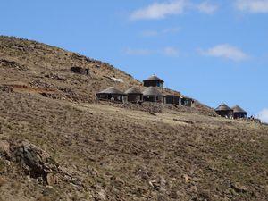 les Highlands du Lesotho, traversée d'un monde à part...le poste Frontière du Sani Pass.