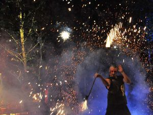 Spectacle de pyrotechnie (Compagnie Zoolians)