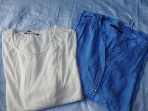 haut bleu à 13€ / petit haut blanc à 6€ /  foulard 4€ / lot de 4 bikinis dentelle 6€ / bougies parfumées 1€ pièce/ Diffuseur Parfum 1,50€ / Lot de 3 gants de toilette 3€ / Porte monnaie 4€