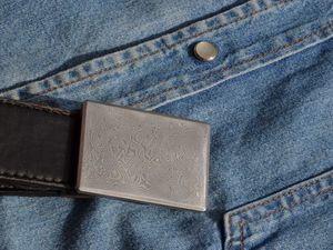boucle de ceinture personnalisée en Damas Inox