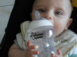 Famili et Tommee Tippee