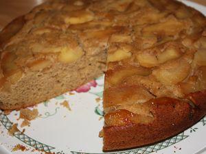 Gâteau au yaourt aux pommes fondantes (sans lactose &amp&#x3B; sans gluten)