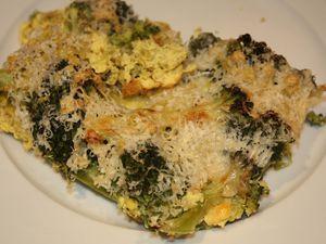 Gratin de brocoli aux flocons de pois cassés parfumé aux épices douces