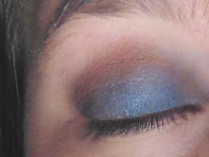 Make Up Bleu !