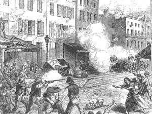A gauche une évocation des émeutes de New-York de 1863, à droite le tirage au sort