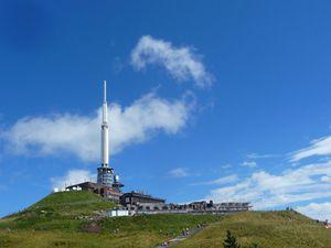 orage dans l'air 21 heures à Clermont Ferrand , lendemain  beau temps   visite  du parc Vulcania et du Puy  de Dome