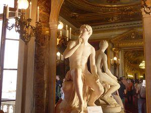 """chambre de la reine (,   de Marie de Médicis , au plafond """"  le lever de l  Aurore"""",statue d' Harpocrate dieu grec du silence et du secret"""
