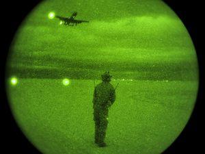 Des A-10 Thunderbolt II s'entraînent à se poser sur un lac asséché aux Etats-Unis