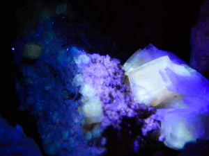 Fluorite (Fluorine) with Célestine from Clay Center, Ohio, USA (size: Cabinet)