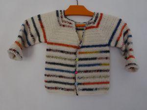 &quot&#x3B;Un air d'automne&quot&#x3B; gilet enfant au crochet