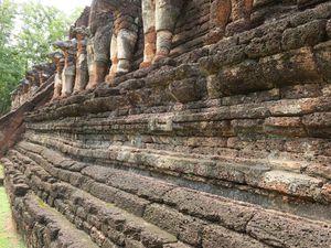Le site archéologues de Kamphaeng Phet le Wat Phra That