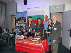 Tout au long de la soirée, un tirage au sort permettait de gagner de nombreux lots , sur le stand BULGARIE, le gagnant de la corbeille de produits bulgares offerts par le Consul et l'Association Provence Bulgarie