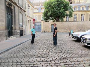 Arnaud mon gendre en polo bleu et mon fils toujours bien dans ses idées de plaisirs avec sa soeur Aurélie et moi même qui apprécie des soirées en été à Reims avec mes 3 jeunes ...