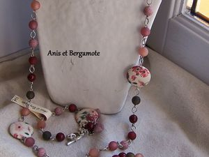les colliers et sautoirs &quot&#x3B;vieux rose&quot&#x3B;