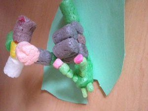 des escargots en playmaïs, facile à faire les enfants étaient ravis