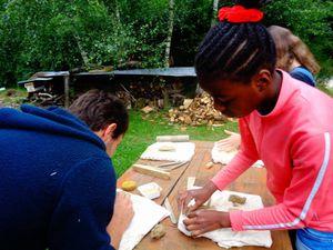 poterie et apprentissage de la perceuse pour les hotels à insectes