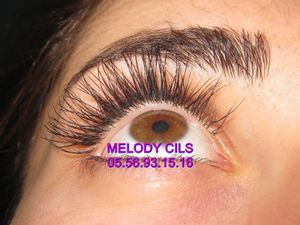 extension de cils par melody a Bordeaux 33000