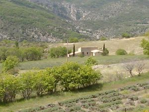 1 et 2- point de vue sur la descente. 3- Le Village de Villeperdrix.