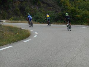 1- Une Demoiselle Coiffée. 2- Le groupe de tête dans la montée de Laval. 3- La descente qui suit.