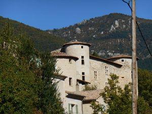 1- Château de la Charce 16ème s . 2- Gorges de Pommerol. 3- Magnifiques roches calcaires