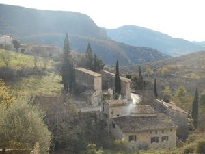 """Villeperdrix, là aussi un village un peu """"oublié"""" du reste du monde, mais moins isolé."""