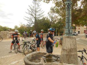 Temps couvert et température en baisse mais l'arrêt à la fontaine est indispensable.