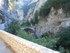 Le col de Romeyère puis le pont de la Goule noire et passage dans les Gorges de la Bourne.