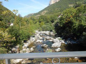 Le Vercors avec ces tunnels, ces parois rocheuses, les torrents... magnifiques !