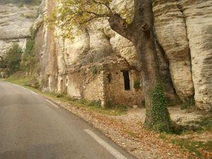 Contournement de Vénasque par la route de Beaucet, ça monte raide par endroit par là.