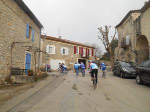 1- Arrivée du groupe 1 dans la montée de St Thomé. 2- Passage dans Valvignères.