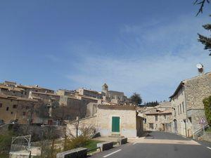 1 et 2- Quelle vue sur le village d'Aurel et ses ruelles. 3- Idem pour Reilhanette en Drôme Provençale.