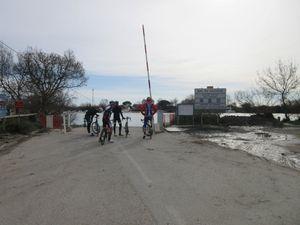 Là j'adore : passage du Bac du Sauvage avec une traversée de cavaliers et de leurs montures :-)