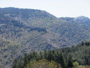 Pompidou et son raidar de 3 km qui permet de s'élever au-dessus de la corniche et voir au loin les Monts Lozère.