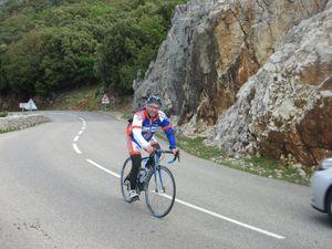 1- Sylvain dans le final. 2- Talonné par Lucho... 3- Patrick et J-Pascal suivi un peu plus loin par Pascal, ferment la marche.