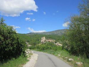 On gravit notre premier col : d'Ey depuis Buis les Baronnies pour arriver à Ste Jalle afin d'attaquer la montée vers Le Poët-Sigillat.